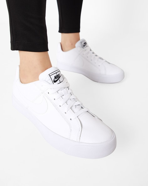 White Sports Shoes for Women by NIKE