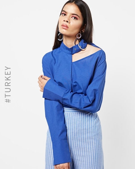 Panelled High-Neck Top With Cutout By TRENDYOL ( Blue )