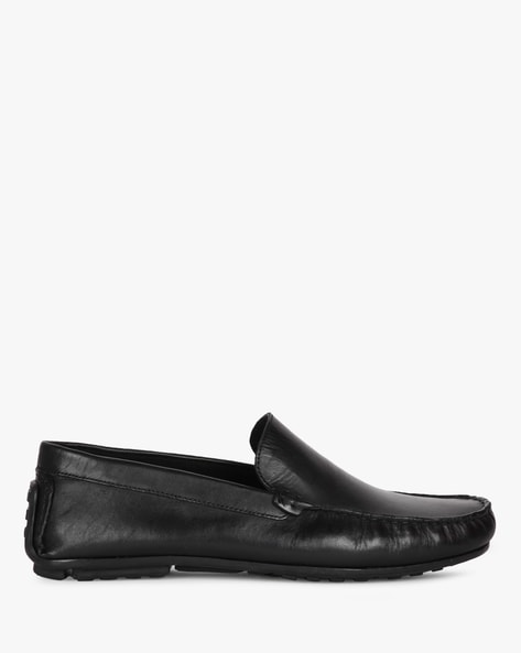Textured Mocassin-Style Slip-On Formal Shoes By AJIO ( Black )