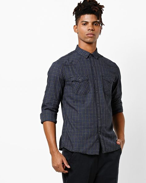 Slim Fit Checked Shirt With Spread Collar By AJIO ( Grey )