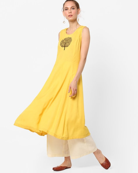 Flared Sleeveless Kurta With Placement Embroidery By AJIO ( Yellow )