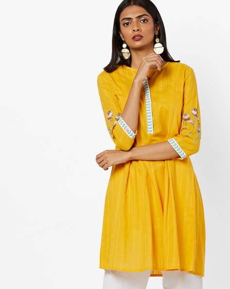 Straight Kurta With Placement Embroidery By AJIO ( Yellow )