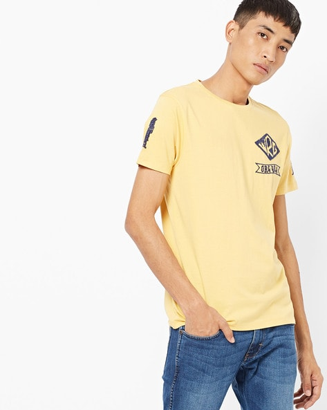 Printed Crew-Neck T-shirt With Text Embroidery By WRANGLER ( Mustard )