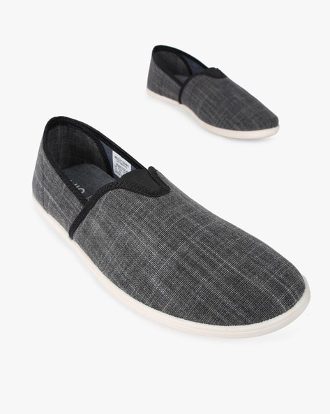 Textured Low-Top Casual Shoes By AJIO ( Grey )