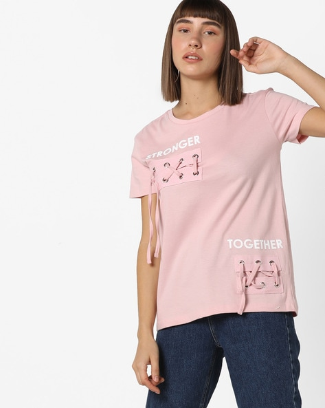 Typographic Print T-shirt With Criss-Cross Panels By AJIO ( Pink )