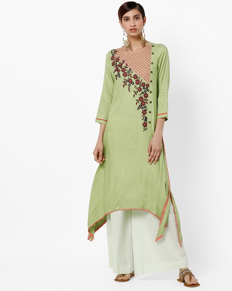 Floral-Embroidered Straight Kurta With Dipped Hemline By Rain & Rainbow ( Green )