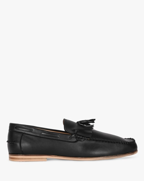 Low-Top Moccasins With Fringed Accent By Piaffe ( Black )
