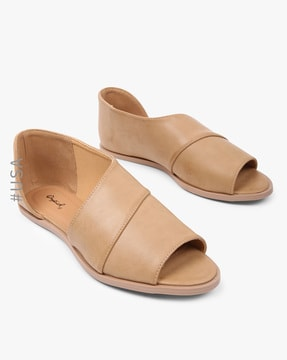 Panelled Flats with Cutout Side