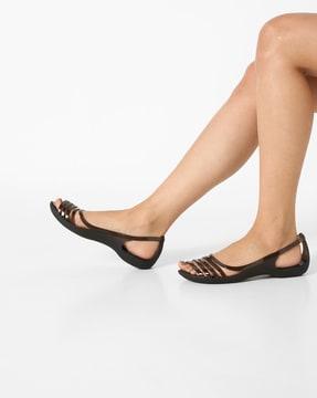 10a8c3941c925b crocs-isabella-huarache-flat-sandals.jpg
