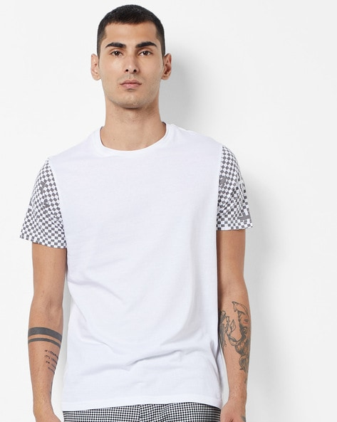 Slim Fit Crew-Neck T-shirt With Printed Sleeves By AJIO ( Grey )