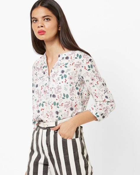 fa34d3386 FIG Off-White Regular Floral Print Top with Notched Mandarin Collar