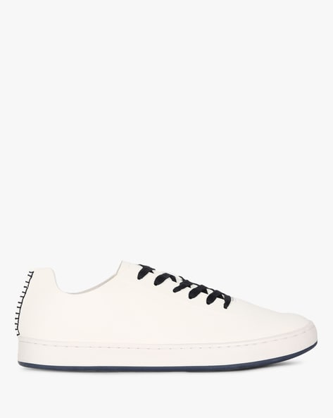 Casual Low-Top Shoes With Contrast Sole By UNITED COLORS OF BENETTON ( White )