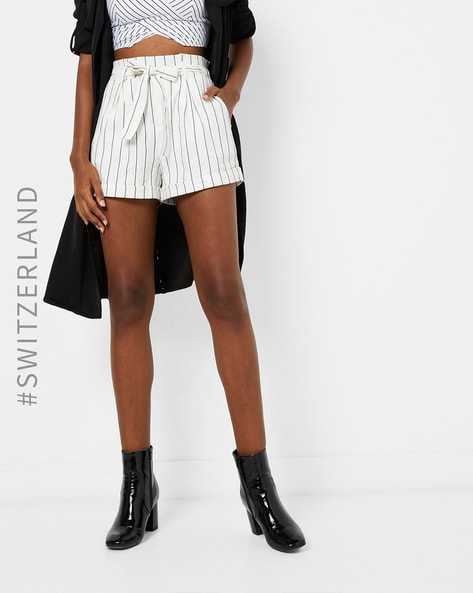 Striped Shorts With Waist Tie-up By TALLY WEiJL ( Blackwhite )