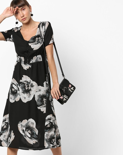 583fc324e0 Buy Black Dresses for Women by Oxolloxo Online