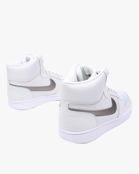 95162d57652e8 Buy White Sports Shoes for Women by NIKE Online | Ajio.com